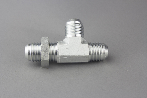 SAE O-ring boss adapter